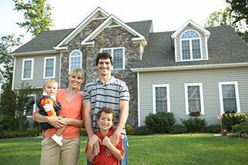Happy buyers of real estate in Alexandria, MN